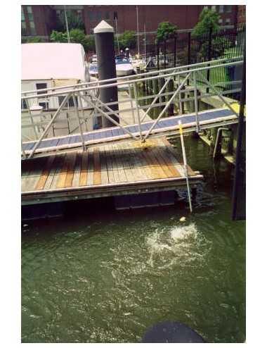 Circulateur / Déglaçeur d'eau Kasco Marine 3400ECUD - support de quai